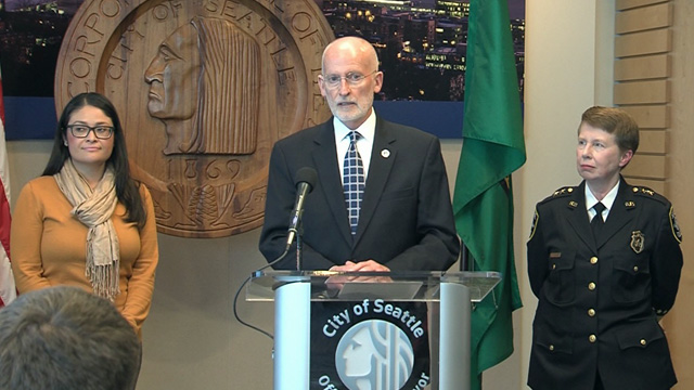 Mayor Burgess signs executive order on SPD secondary employment