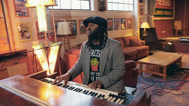 "Art Zone: Delvon Lamarr Organ Trio Performs ""Shortcake"""