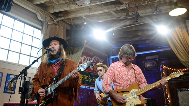 "Low Hums performs ""Supernova"""